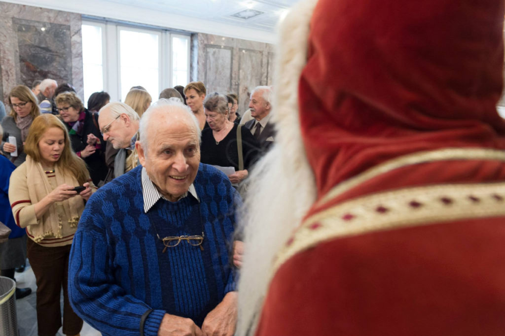 Weihnachtsfeier Wiedergutmachungsinitiative